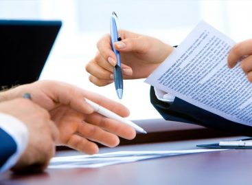 What's Better, In-House Payroll or Outsourced Payroll Providers