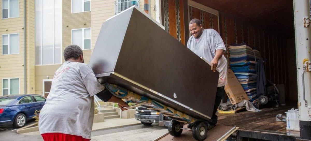 Reasons to Hire Professional Movers When Moving House