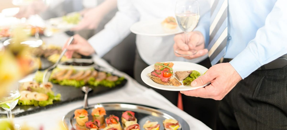 Choose the Right Corporate Catering Services for your Company Event