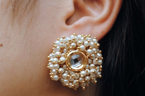 How to Build Your Online Advertising Strategy for Your Pearl Earrings Business?