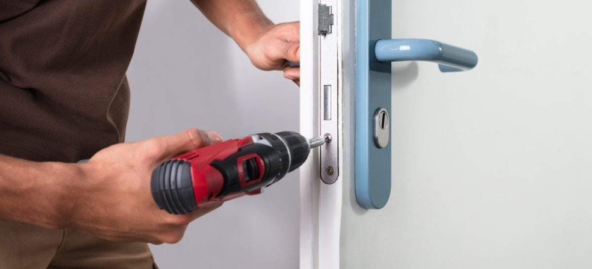 Local Locksmiths for Your Needs: How to Hire Them