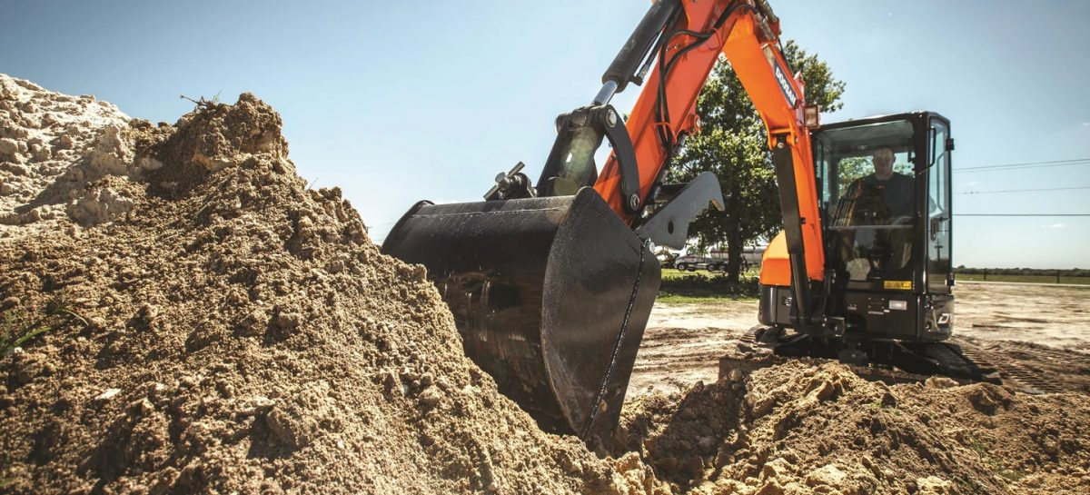 Are You Looking for Heavy Equipment on Rent? Consider These Points